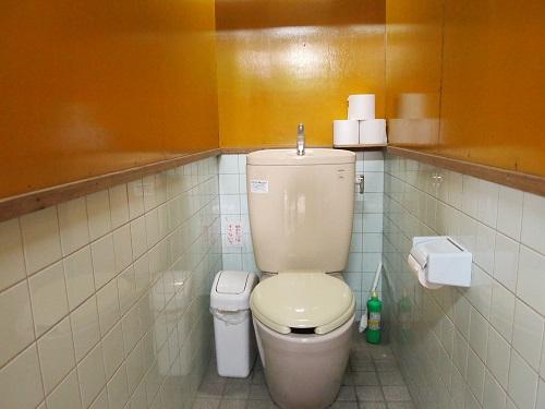 長瀞オートキャンプ場管理棟トイレ